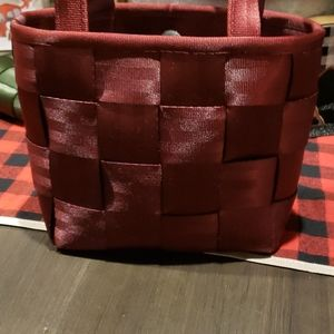 Harvey's Seatbelt Bag, small tote, Burgundy